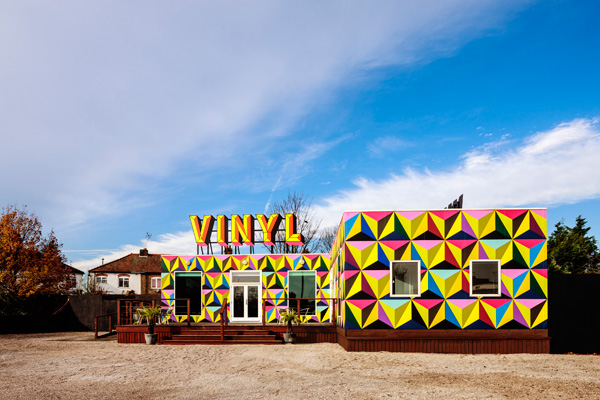 send-Vinyl_lounge_old-vinyl-factory_photo_Gareth-Gardner
